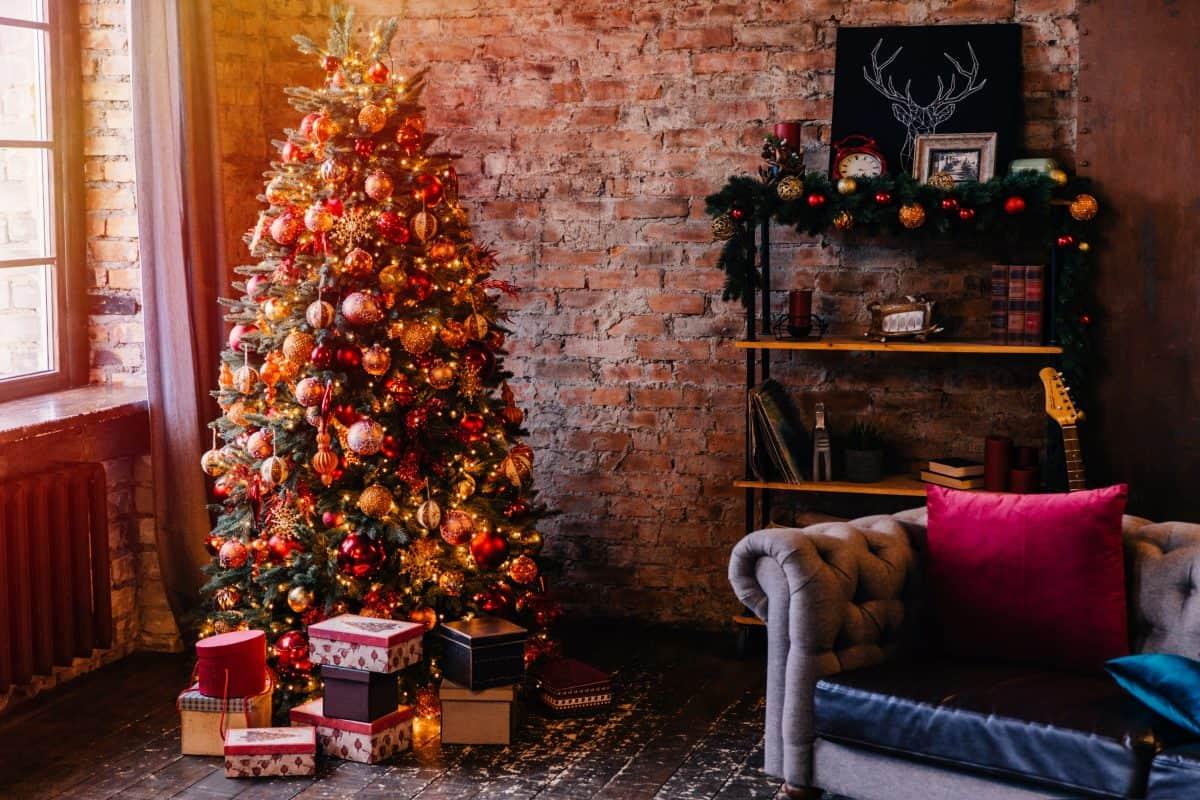 Направи Коледната си украса магична с тези 11 трика