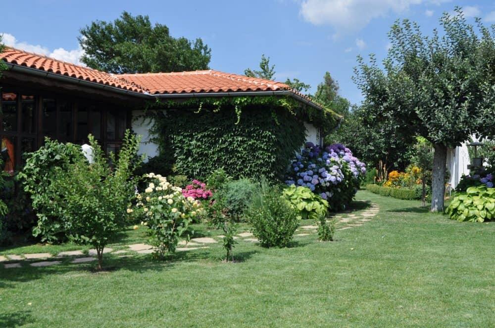село Тъжа градина