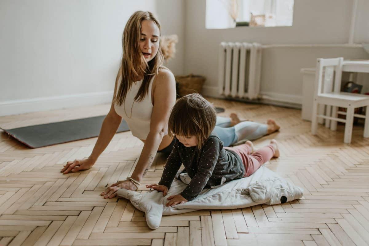 йога с деца вкъщи